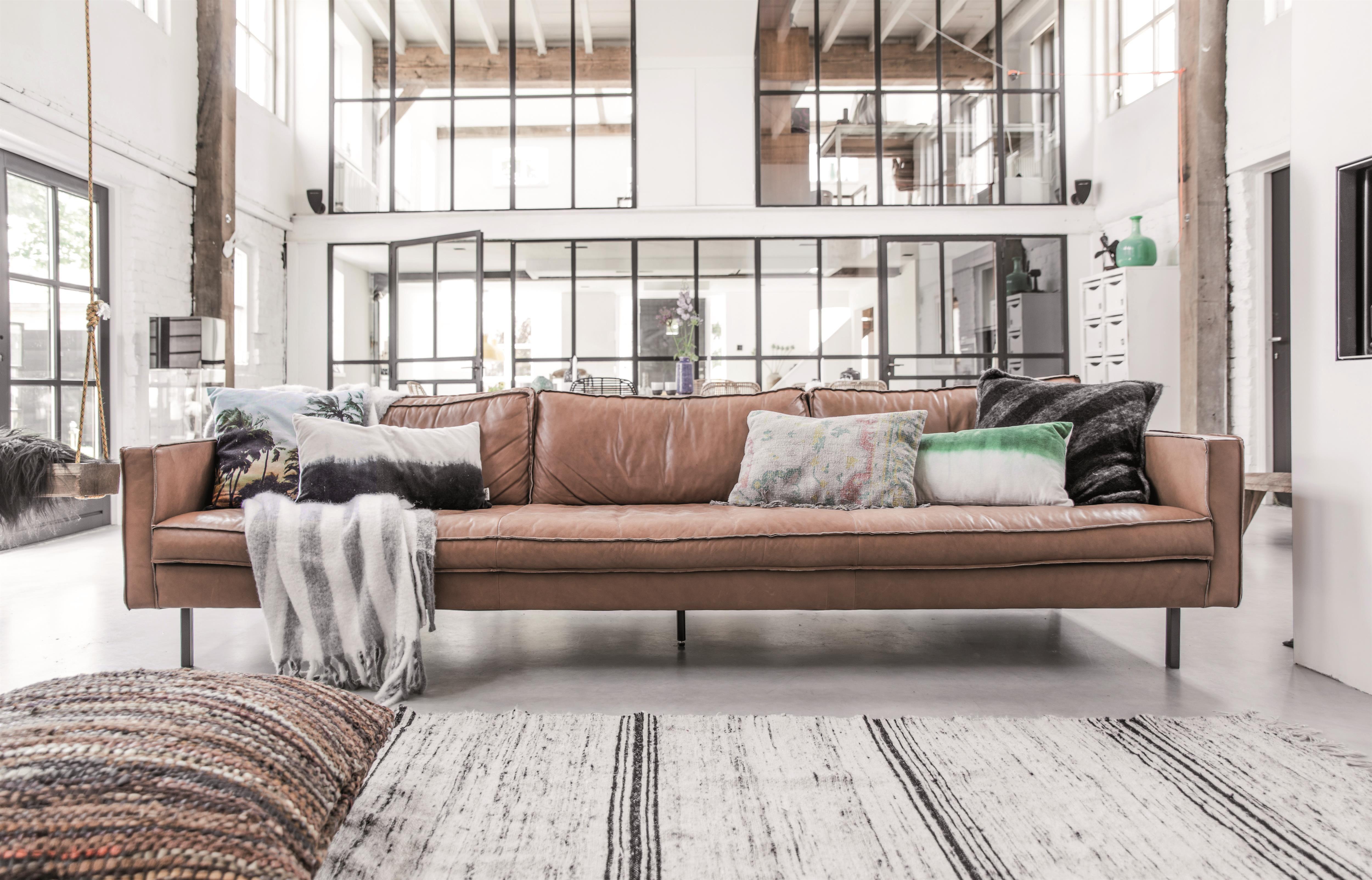 Fleur je hele woonkamer op met de eigentijdse en trendy kussens