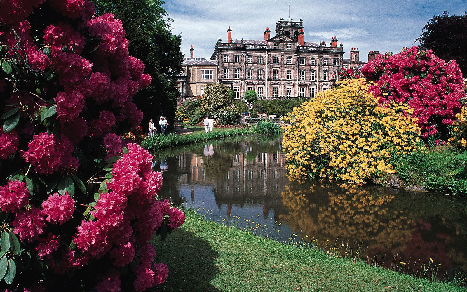 12 most beautiful gardens to visit in england london calling 12 most beautiful gardens to visit in england sisterspd