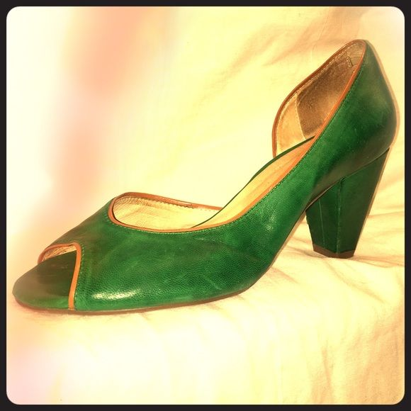 Miz Mooz Green Leather Pumps Soft emerald green leather pumps edged with tan/camel piping. They Have been worn maybe twice and show a little wear. Small tear in heel, see pic. The soft rubber sole is in great shape. Miz mooz Shoes Heels