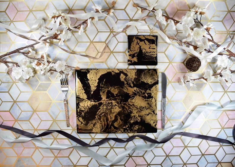Black Gold Resin Art Placemats And Coasters Dining Set Etsy Resin Art Placemats Resin Artwork