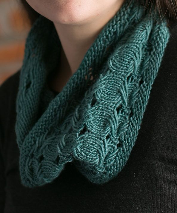 Free Knitting Pattern For Elis Cowl This Cowl Is Knit With The