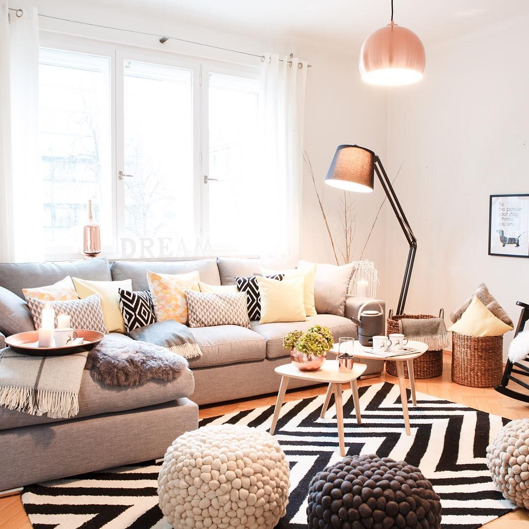 Who wouldn\'t wanna live in a cozy Scandi home like this? Find more ...
