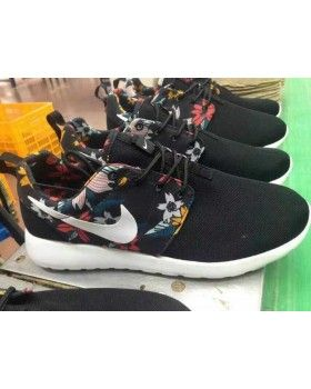 los angeles 33755 ed737 Nike Roshe Run Womens Mens Shoes Black Floral White
