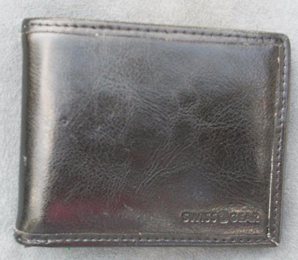 Swiss Gear Men's Leather Ticino Extra Capacity Bifold