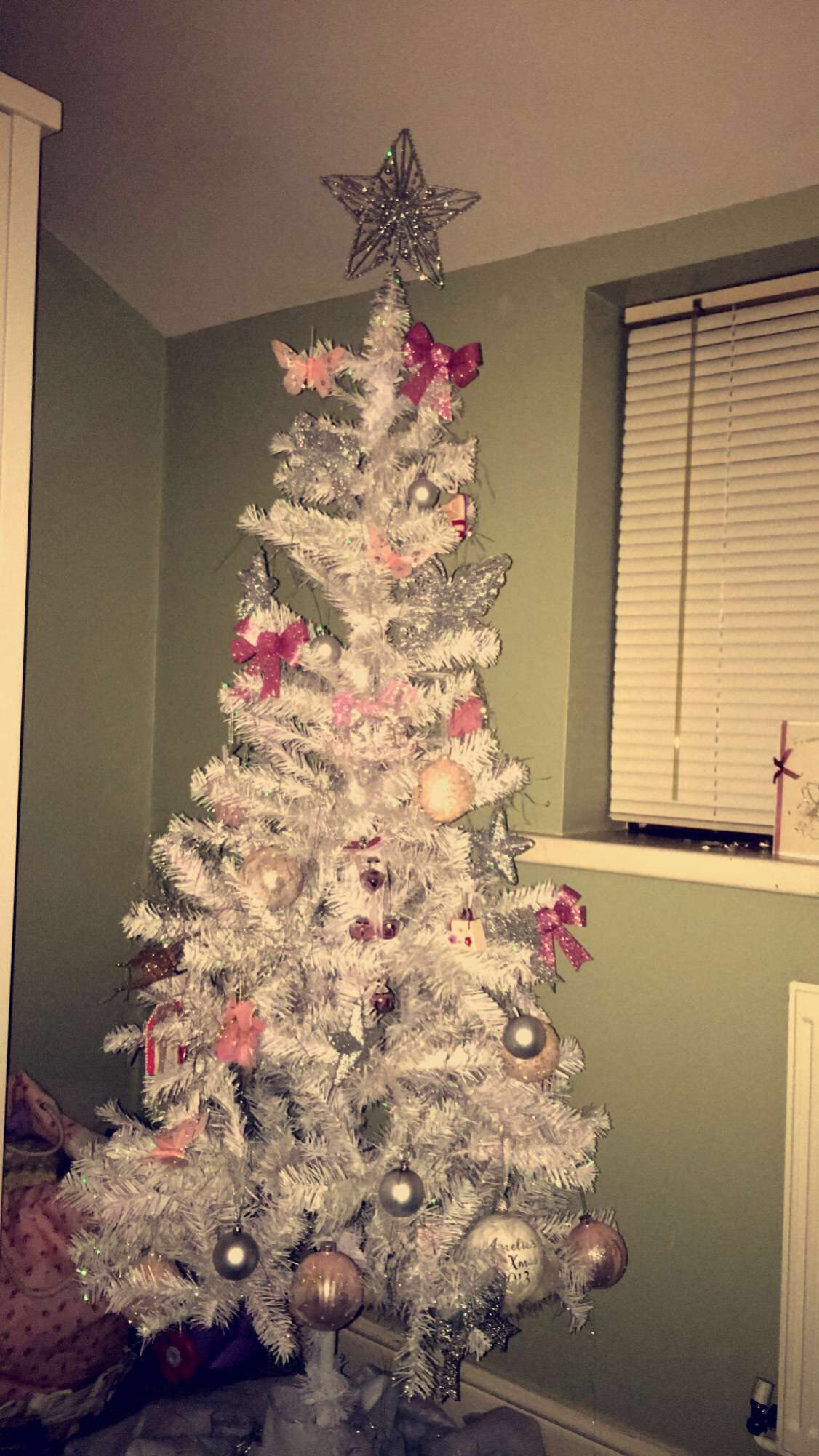 Pin by Tracy Hewitt on Christmas Christmas tree, Holiday