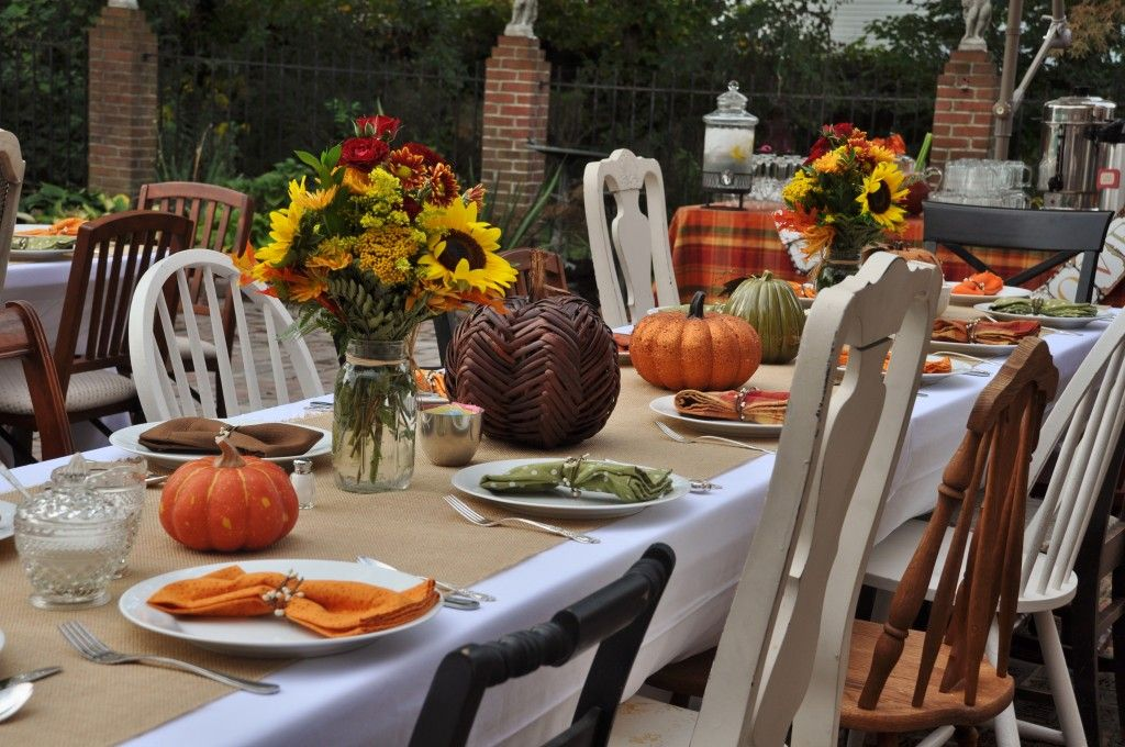 Delightful Table Decorations For Fall Bridal Shower