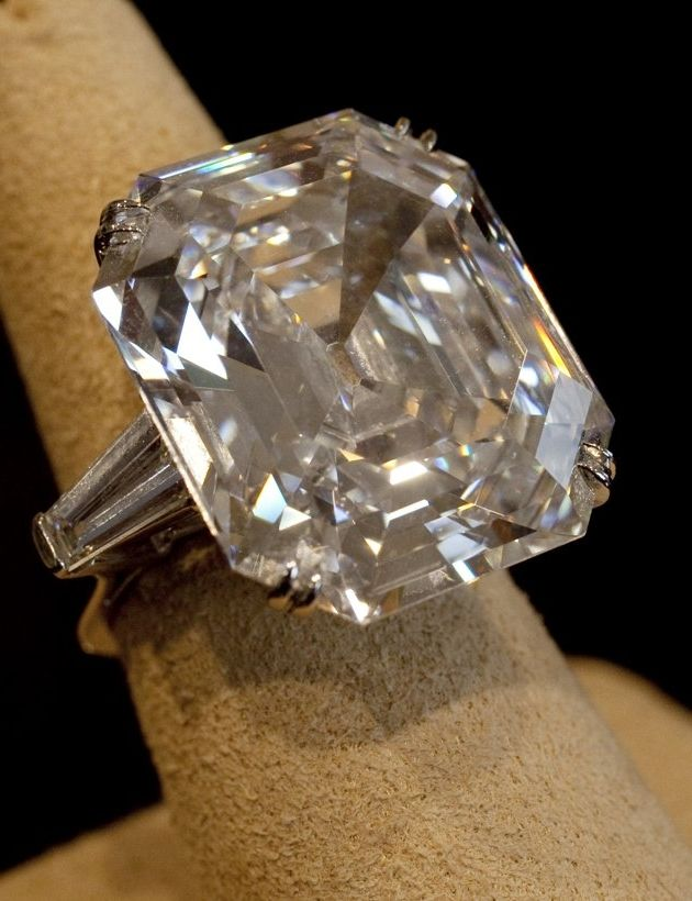 Top 10 Diamond Engagement Rings Worlds Most Expensive | Diamonds ...
