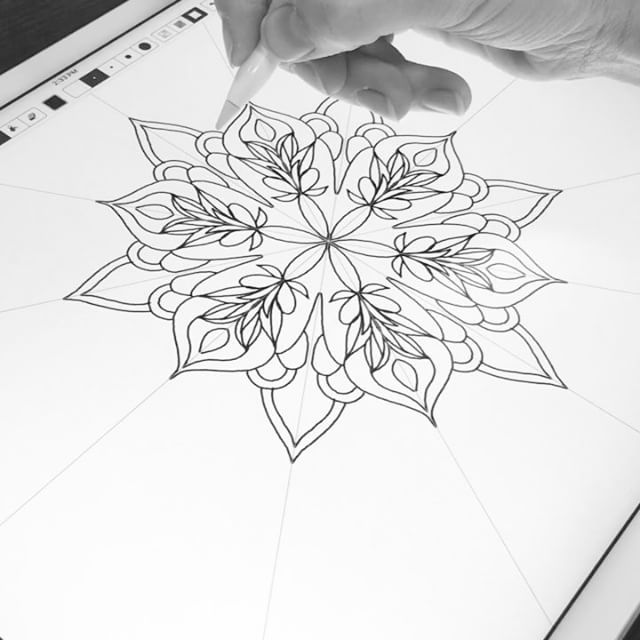Quick Mandala Experiment With The Amaziograph App Total Time 5 5