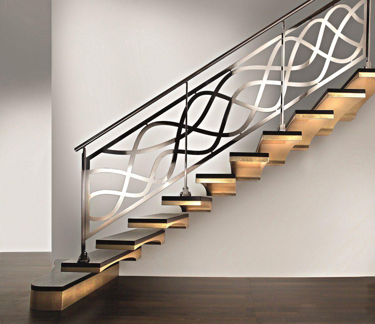 Tout L Univers De L Escalier Est Chez L Echelle Europeenne Rampe Escalier Inox Escalier Suspendu Escalier Design