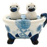Ducks Salt and Pepper Shakers: Ducks/Bathtub – GermanGiftOutlet.com