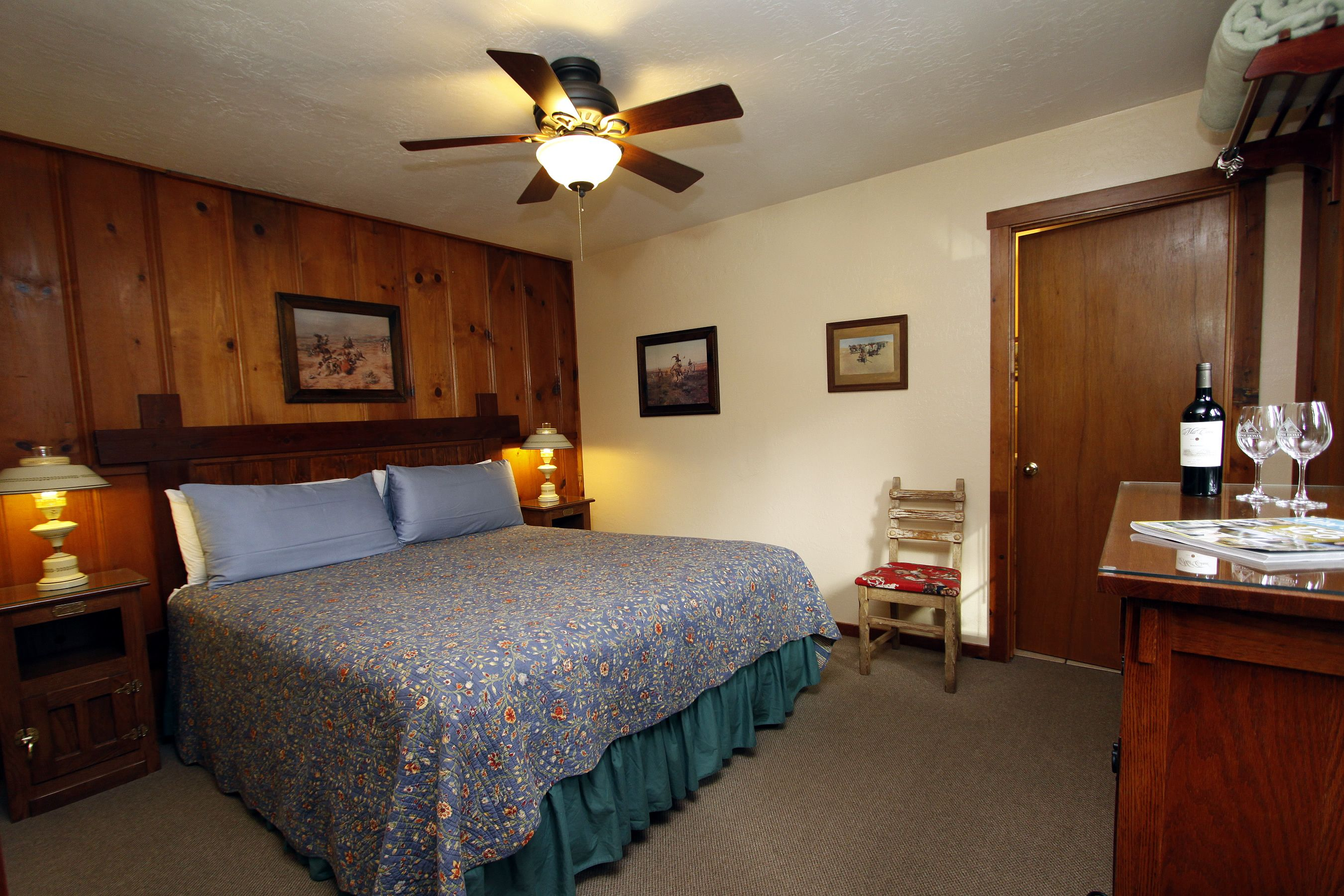 cottage 17 bedroom Bed, Bed and breakfast, Cottage bed
