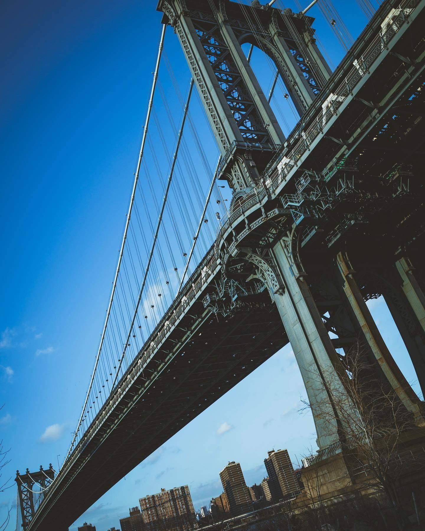 Manhattan Bridge in 2014  #onichie #osaka #japan #osakajapan #大阪 #日本 #オニッチ #おにっち #fromosaka #fromjapan #omg #onichiemusicgarage #ツァイスBatisで撮りたい #aestheticsjapan #shotonlexar #shotonnikon #nikon #ニコン #sigmalens #シグマレンズ #ricoh #ricohgr #gr #grist #newyork #newyorkcity #nyc #brooklyn #manhattanbridge
