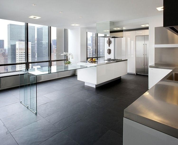 Un plaza apartment by ora studio plaza cocina blanca y - Cocina suelo negro ...