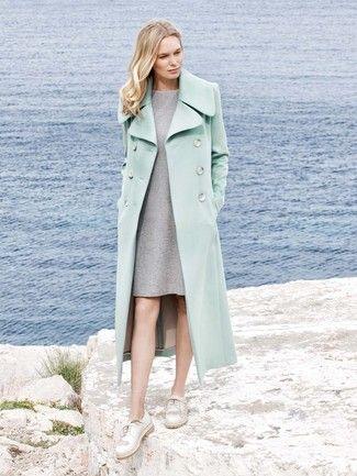 Ein Mantel der Sie viele Jahre begleitet. Der Mantel im Stil einer ...