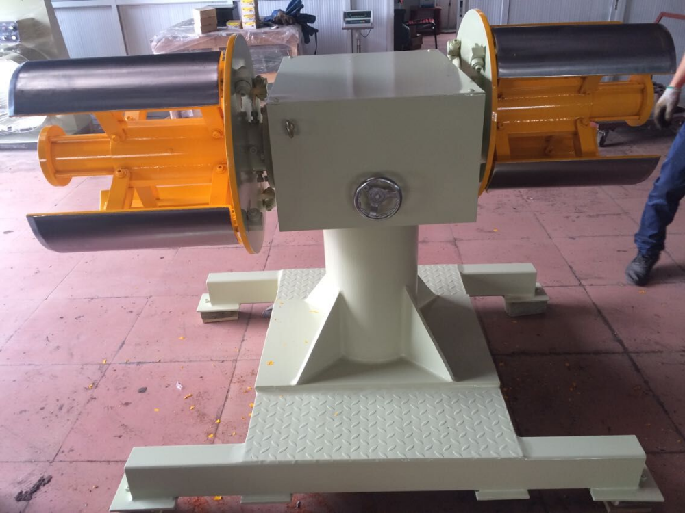 Twin head uncoiler decoiler for heavy material