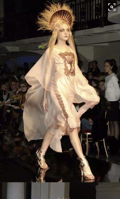 2007年に開催されたパリコレ。デザイナー、ジャンポール・ゴルチエによってデザインされた女性モデルが今話題になっています。