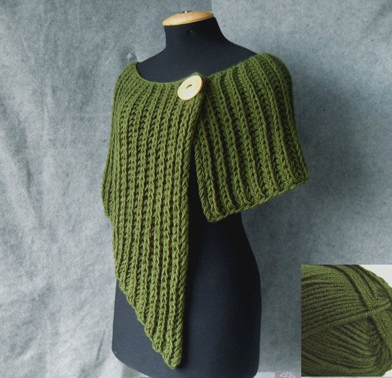 Best 25+ Knitted poncho ideas on Pinterest Poncho knitting patterns, Knit p...