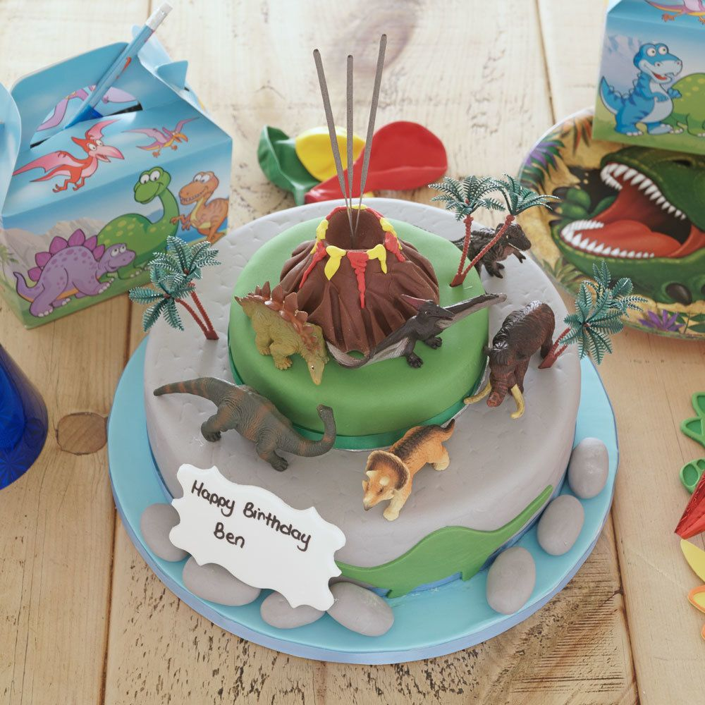An amazing themed cake created and made by the uks
