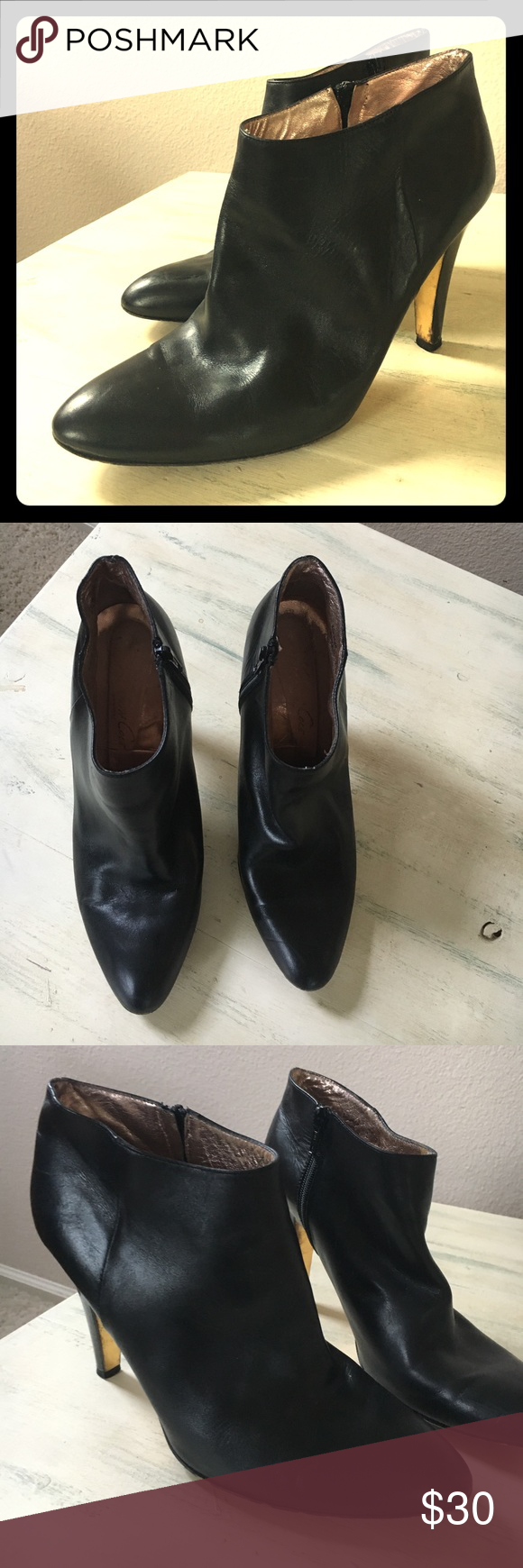 Kenneth Cole Heeled Black Leather Booties Slightly worn heeled booties with rose gold on the inside and and a gold inner heel. Made in Italy the Barbara Boxer Style. Kenneth Cole Shoes Ankle Boots & Booties