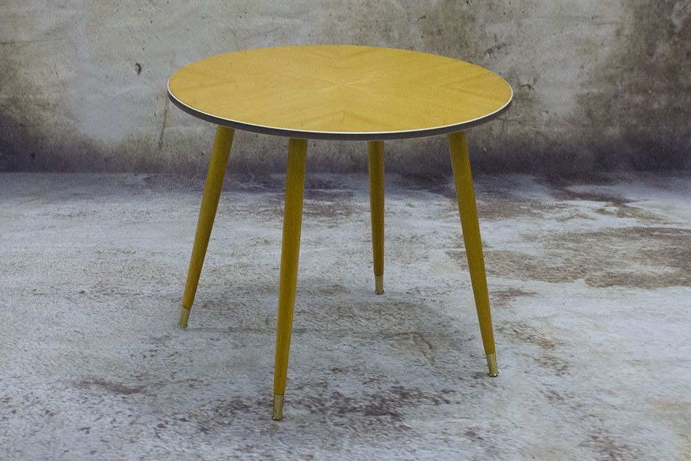 Swell 1950S German Maple Side Table 1950S 50S Vintage Home Interior And Landscaping Ologienasavecom