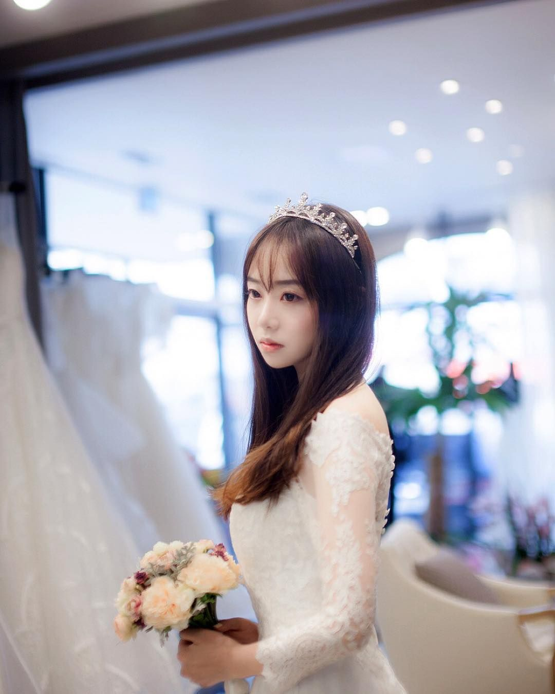 #모델 #촬영 #웨딩드레스 #photograph #model #profile #wedding #weddingdress #crown #마샬브라이드 #전주마샬브라이드 #전주 by chocosorapang