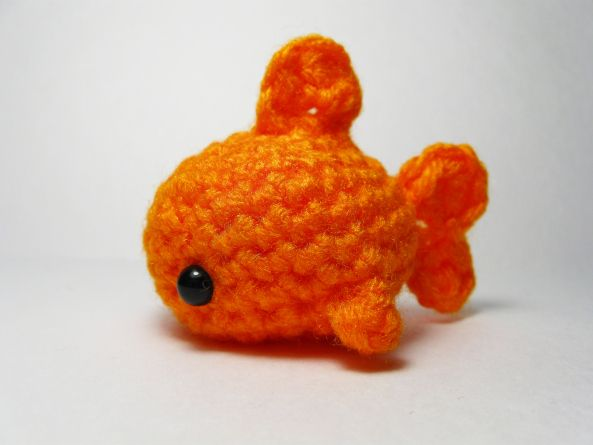 Amigurumi Fish Tutorial : Shark attack u free sea life amigurumi patterns goldfish