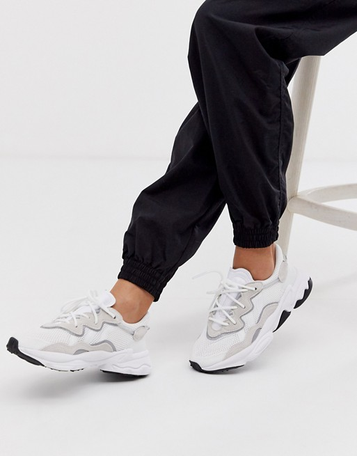 adidas Originals Ozweego trainers in white | Mode schoenen