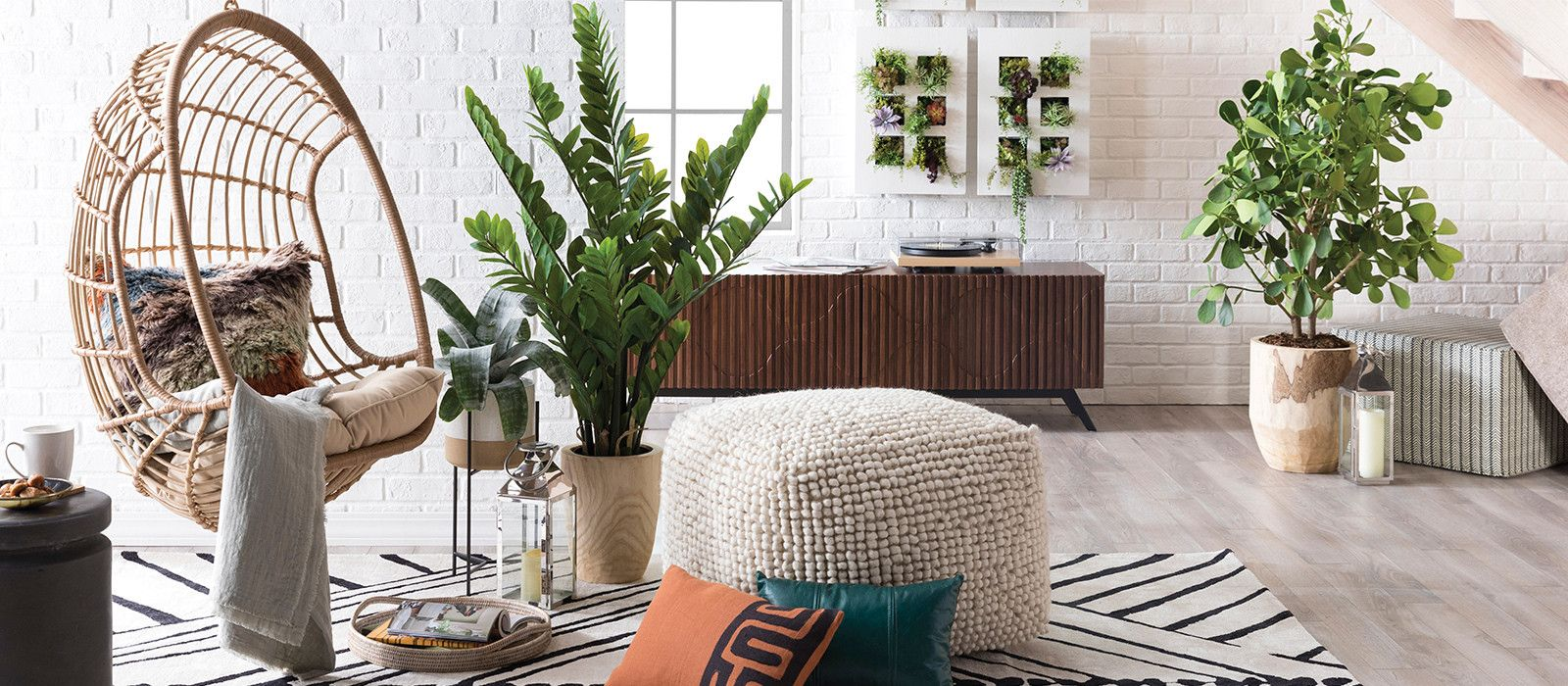 Trend Watch Hanging Wicker Egg Chairs For Indoors Out Hayneedle Egg Chair Hanging Egg Chair Living Room Chairs
