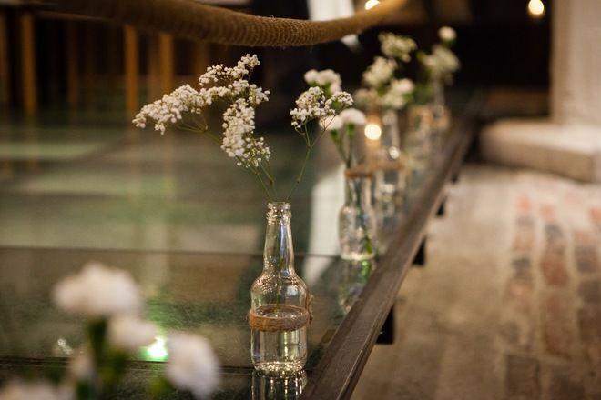 Vintage/rustiikki pöytäkoristeet: pulloja, kylttejä jne