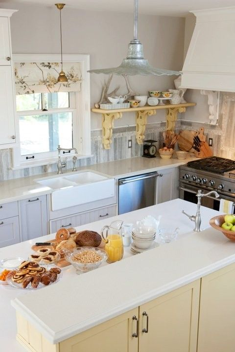 Best Love The Color Of The Cabinets Around The Perimeter Also 400 x 300