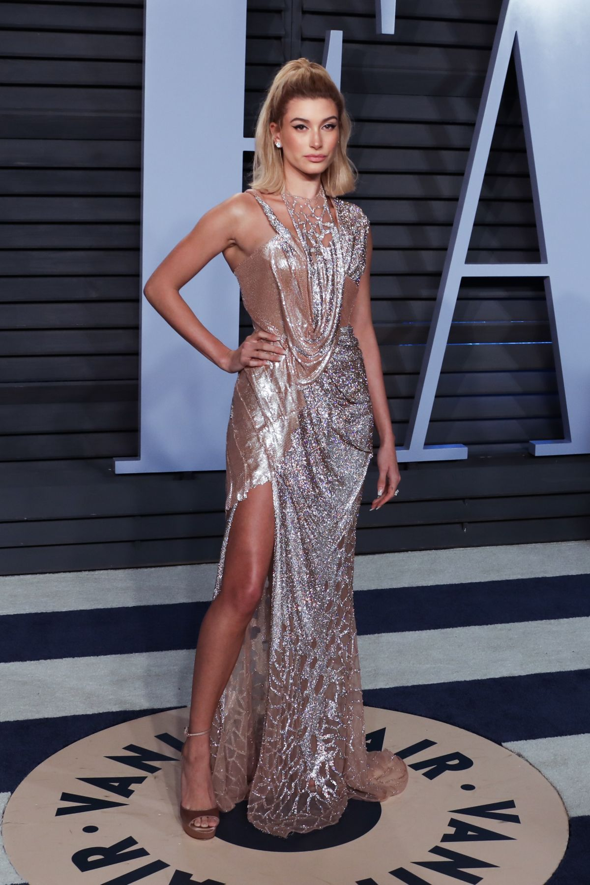 54ed5c42bc34 Hailey Baldwin at 2018 Vanity Fair Oscar Party in Beverly Hills 03/04/2018.  Celebrity Fashion and Style | Red Carpet | Glamour