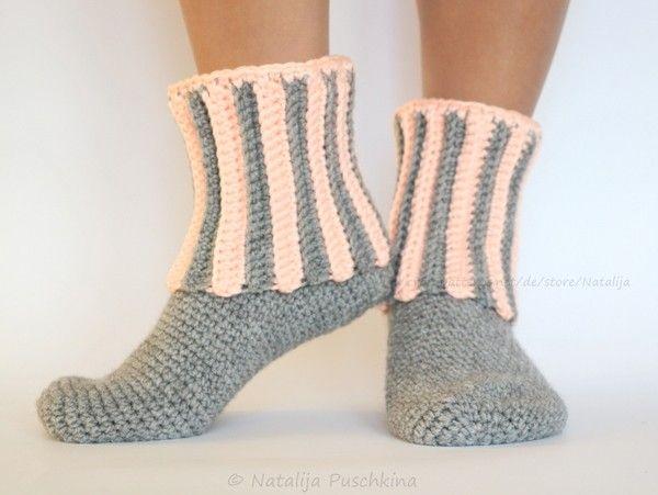 Warme Socken mit Rippenmuster - Häkelanleitung in Größen 36-47 https ...