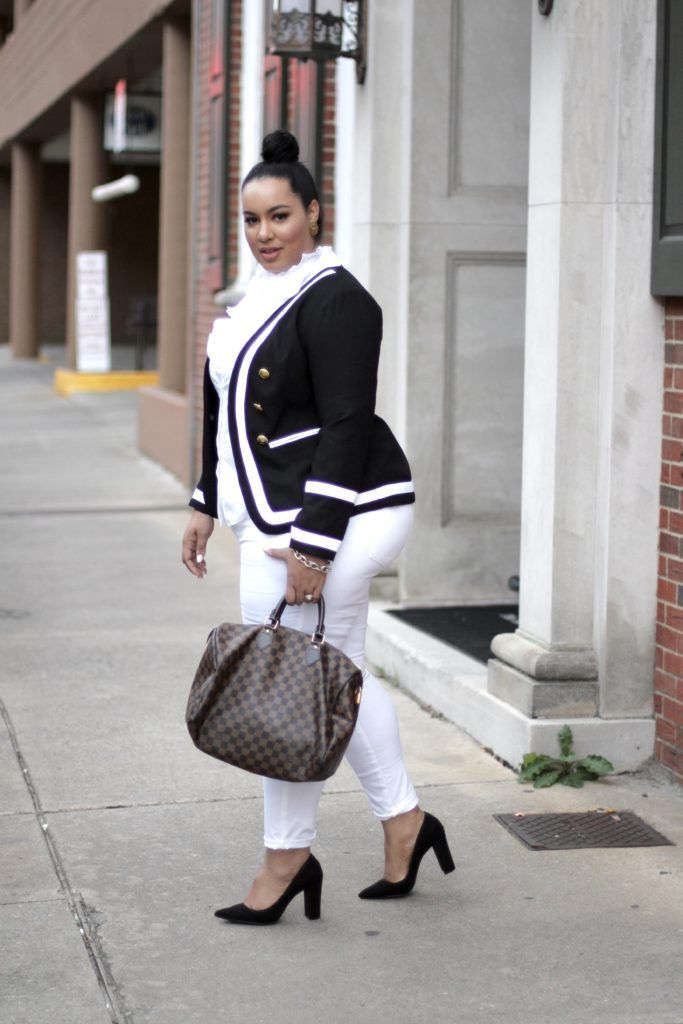 2047742238c Secondhand First - Beauticurve. Secondhand First - Beauticurve Monochrome  Outfit