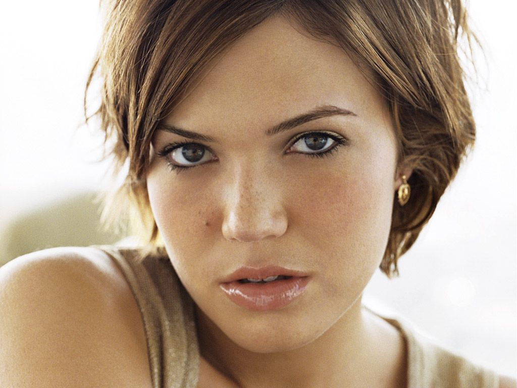 Mandy moore digging her haircut hairy situations pinterest bangs
