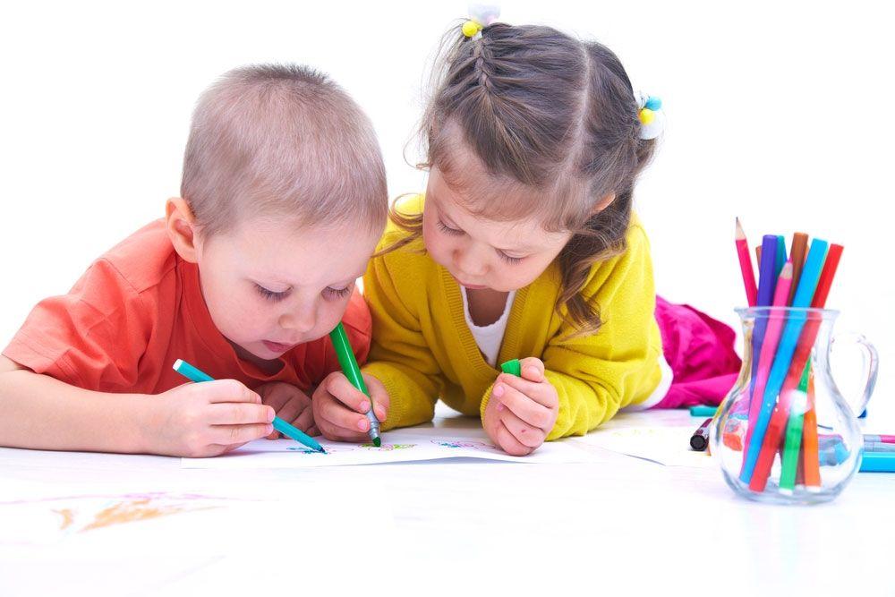 дом картинки рисующих малышей вас