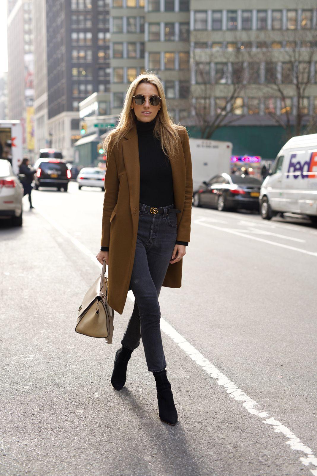 15b0f77fd1f2 NYC Street Style. Zara Coat