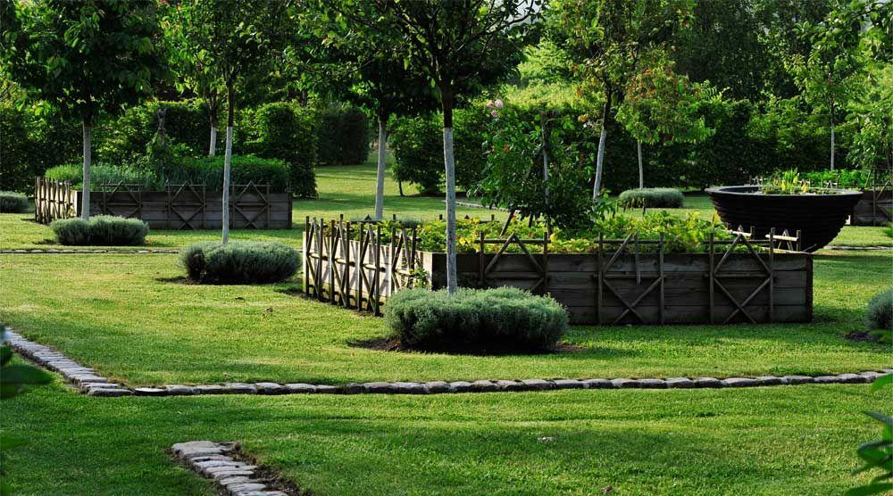 Verger potager at les jardin du chaigne in touzac for Jardin potager en anglais