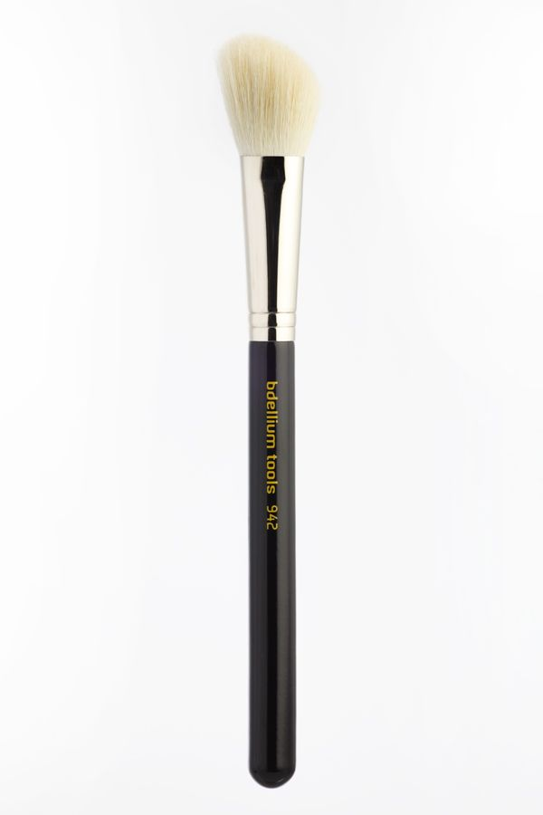 bdellium Tools | #942M slanted contour brush