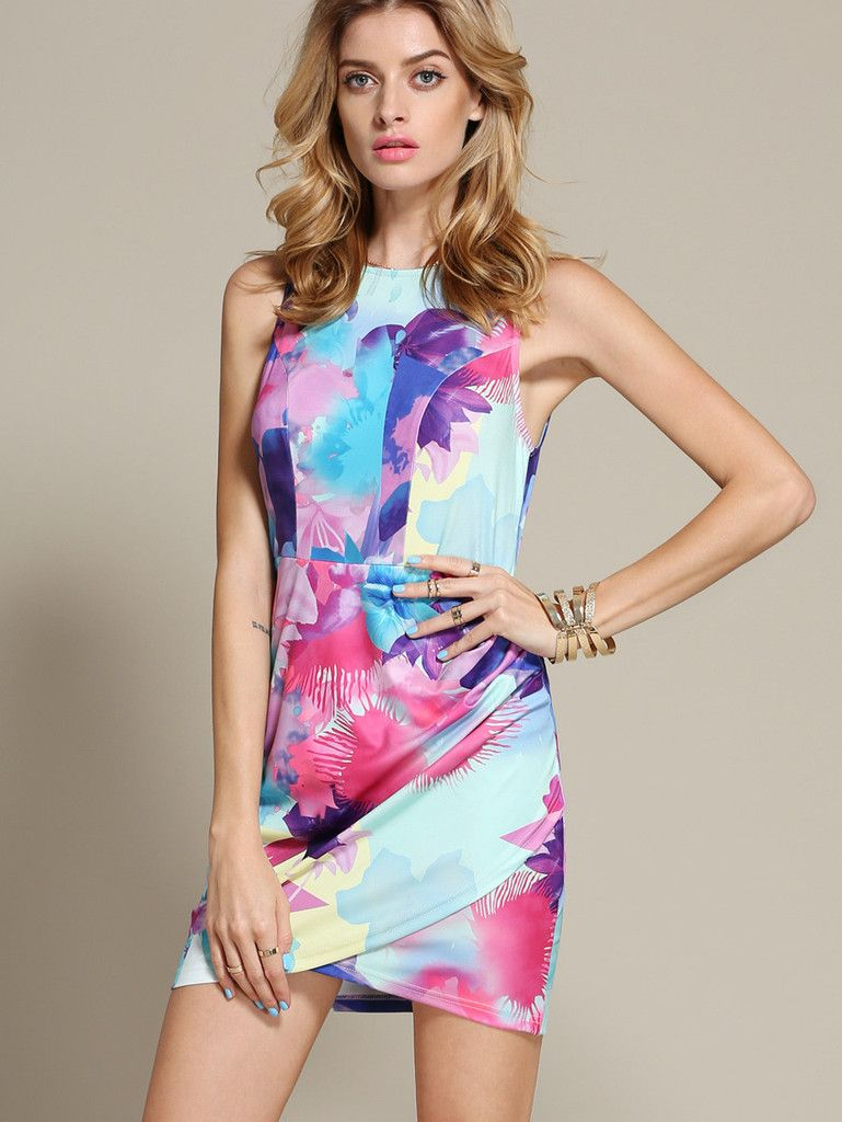 25d1bc92784 Giving you a spring summery feel with this blue bodycon dress. The front  comes in