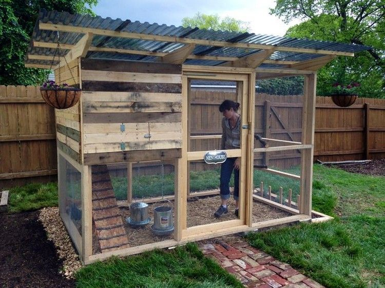 recycled wooden pallet chicken coop homestead animals
