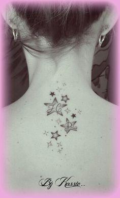Nuee D Etoiles Dans La Nuque Tatoo Star Tattoos Tattoos