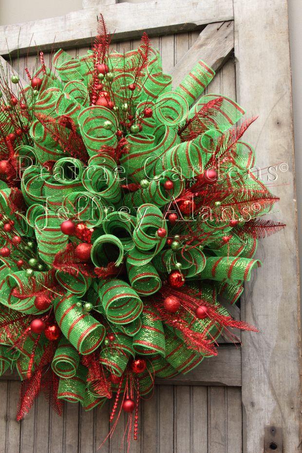 christmas decomesh wreath prairie gardens champaign illinois wwwprairiegardenscom