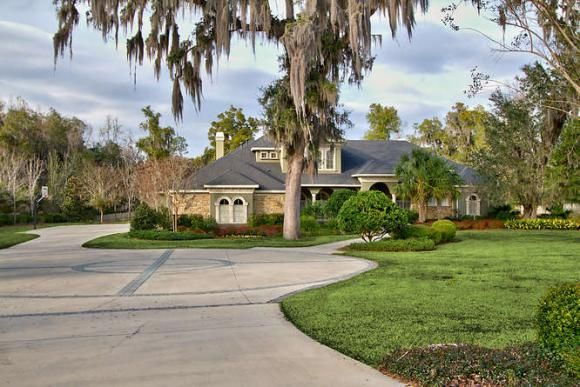 Urban Meyer S Mansion Is Up For Sale In Gainesville Fl Mansions For Sale Mansions Gainesville