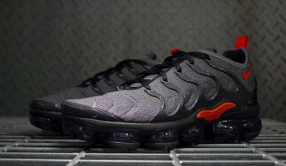 nice cheap 50% off good quality Nike Air VaporMax Plus | Cool Grey/Team Orange | Mens Trainers ...