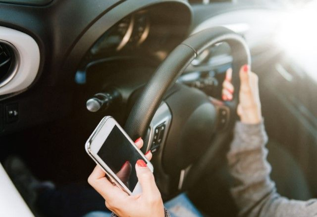 Put The Brakes On Texting And Driving Parenting Websites