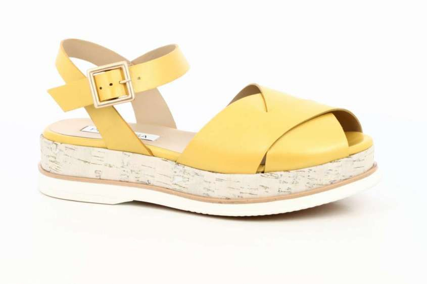 c422d8514b Collezione scarpe Peperosa Primavera Estate 2017 - Sandaletti bassi gialli  | Scarpe - Shoes | Pinterest