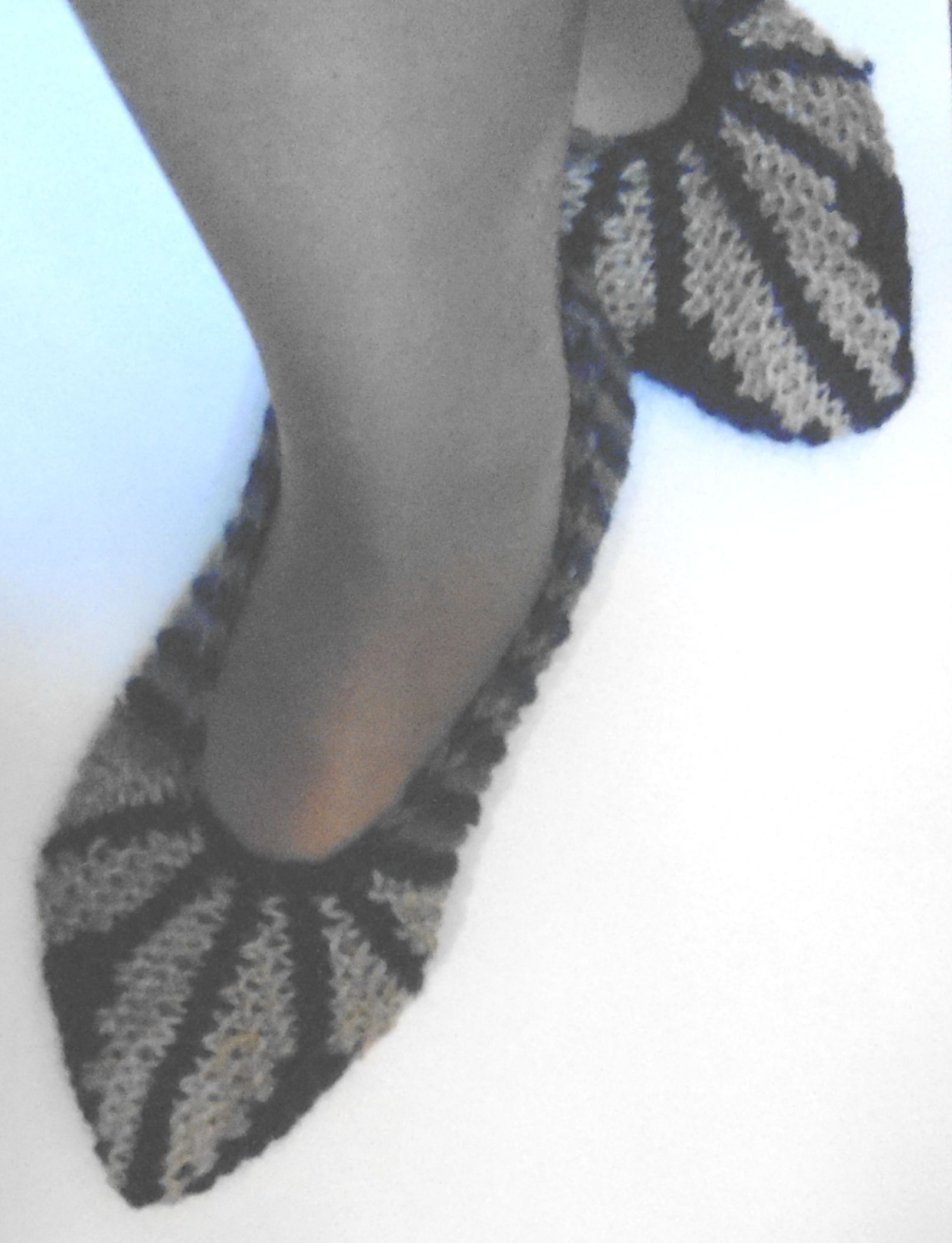 Вязание спицами следков-тапочек с описанием и фото