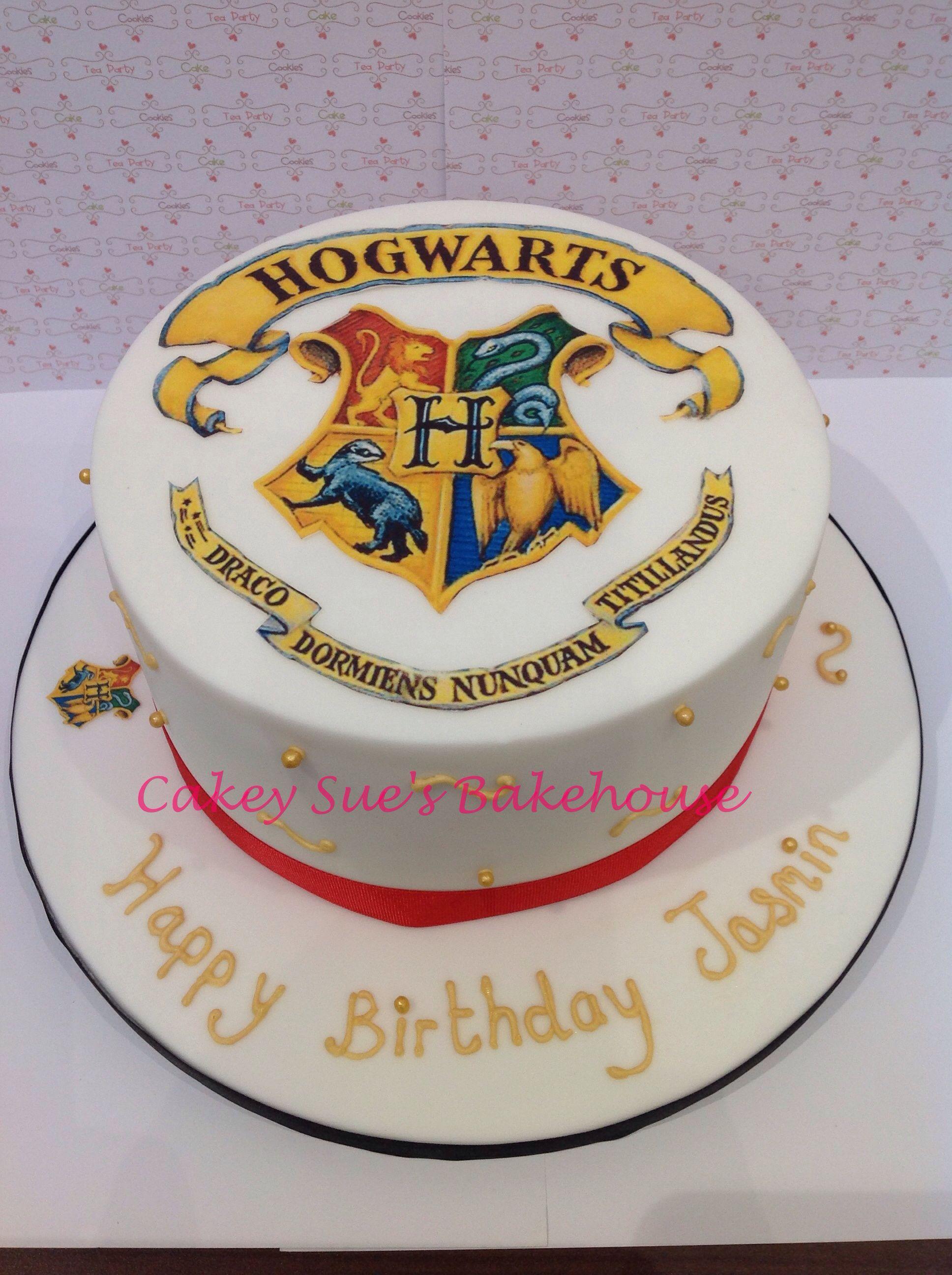 Hogworts cake karolynus favs pinterest cake