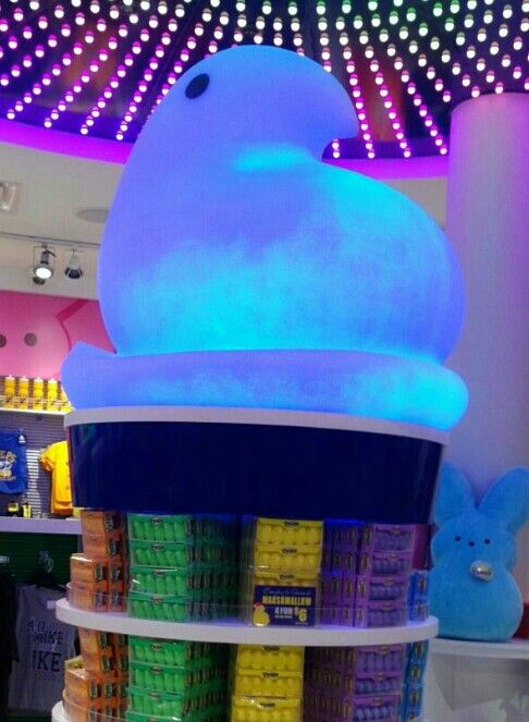 Peeps store at Mall Of America. ) Mall of america