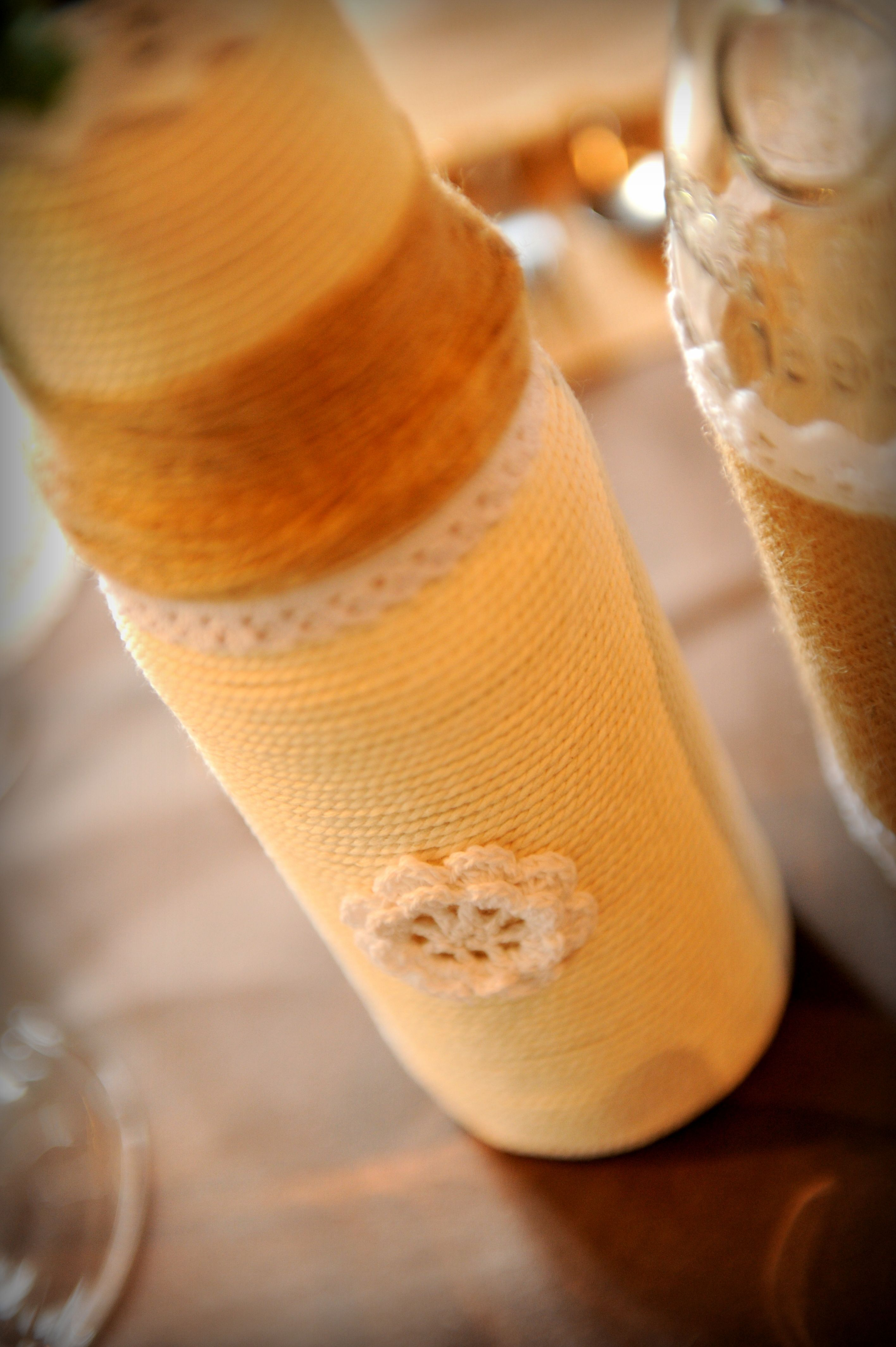 pot de coulis de tomate revisité en vase dentelle crochet ficelle corde
